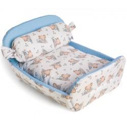 легло за куче, с формата на истинско легло. Леглото за куче се е в син цвят